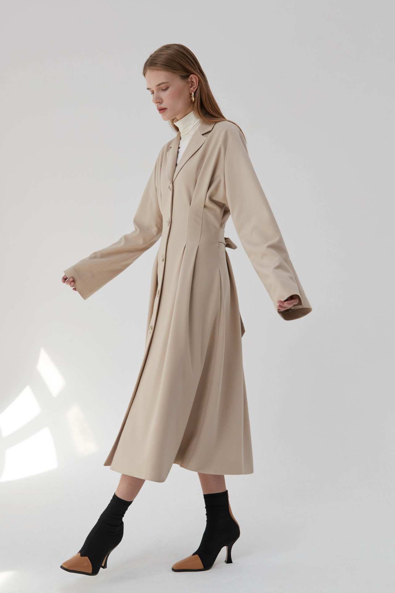 Trench Pintuck Dress (Light Beige)