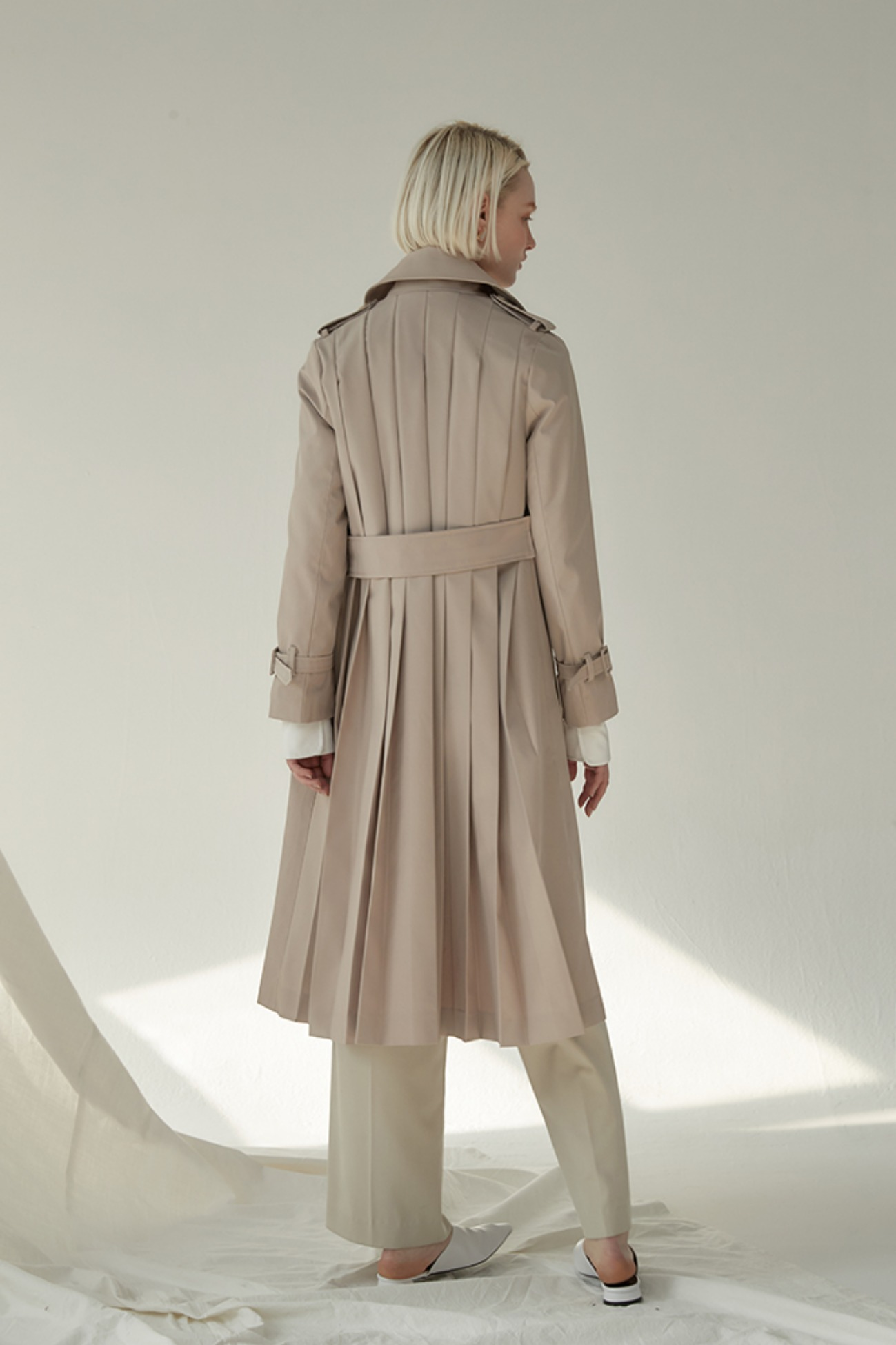 Trench Coat Double-Breasted Handmade Back Pleats (Beige)