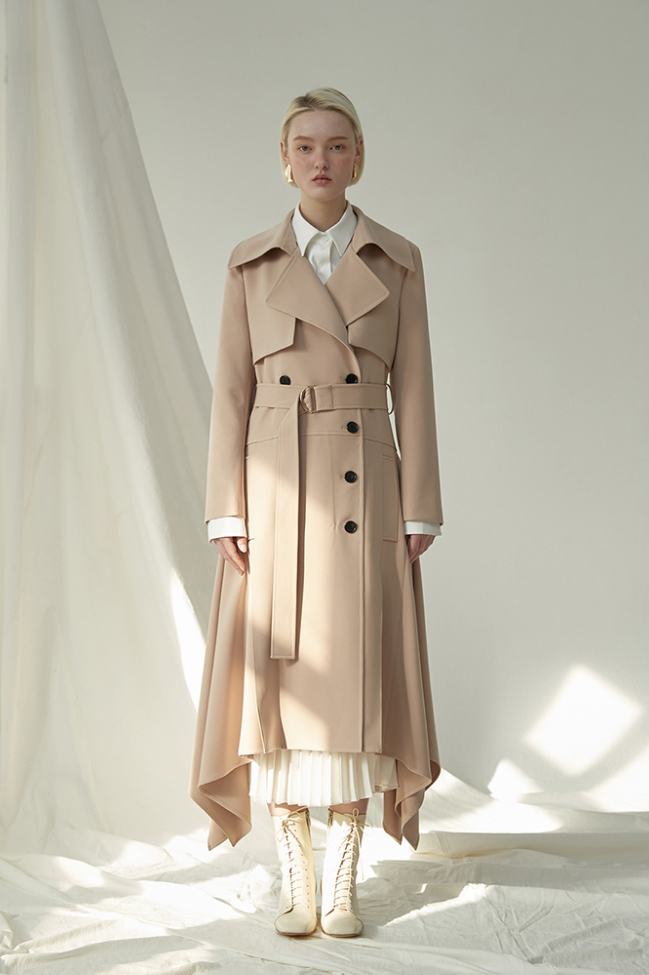 Ruffled Trench Coat In Faille (Beige)