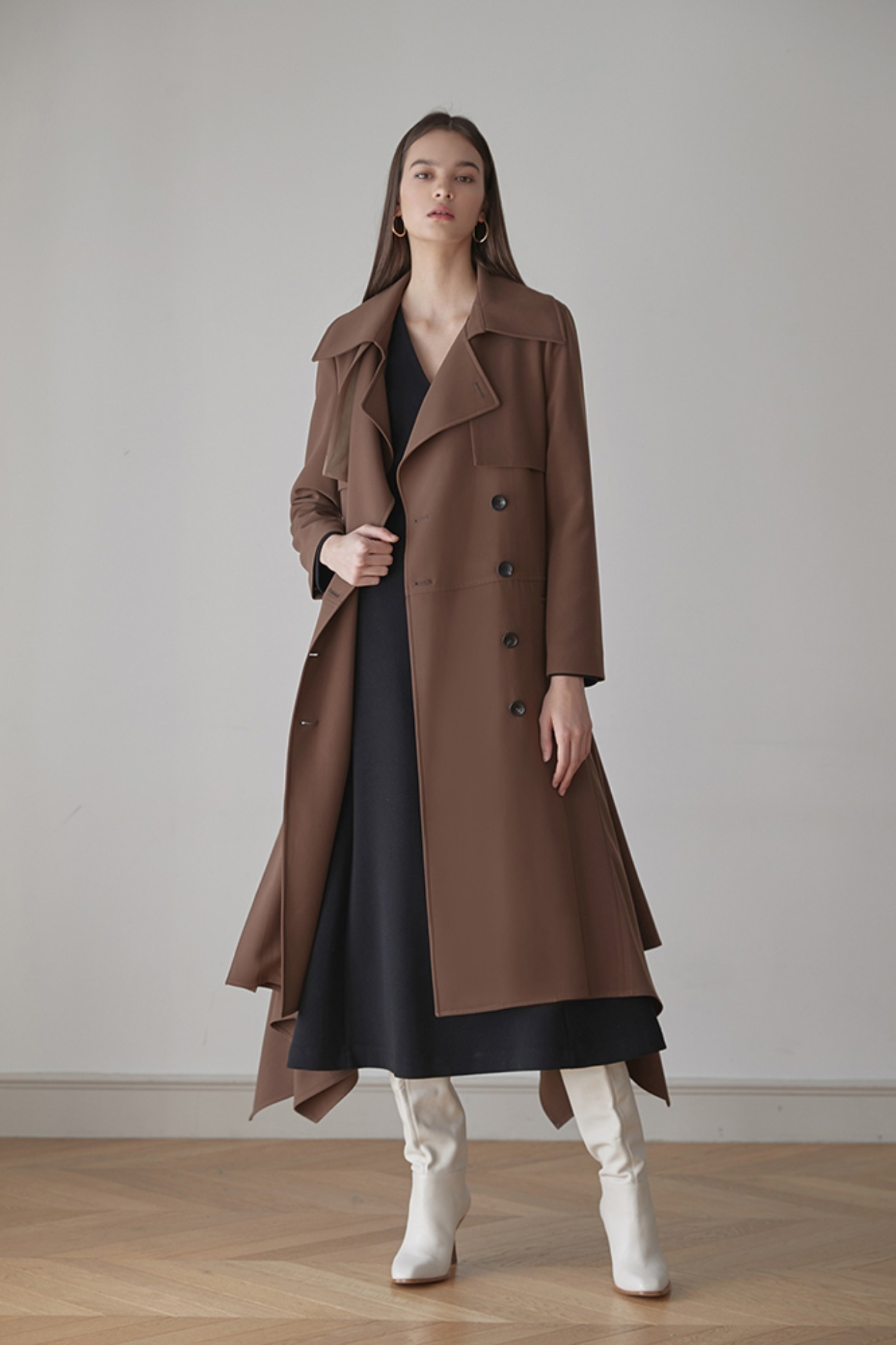Ruffled Trench Coat In Faille (Brown)