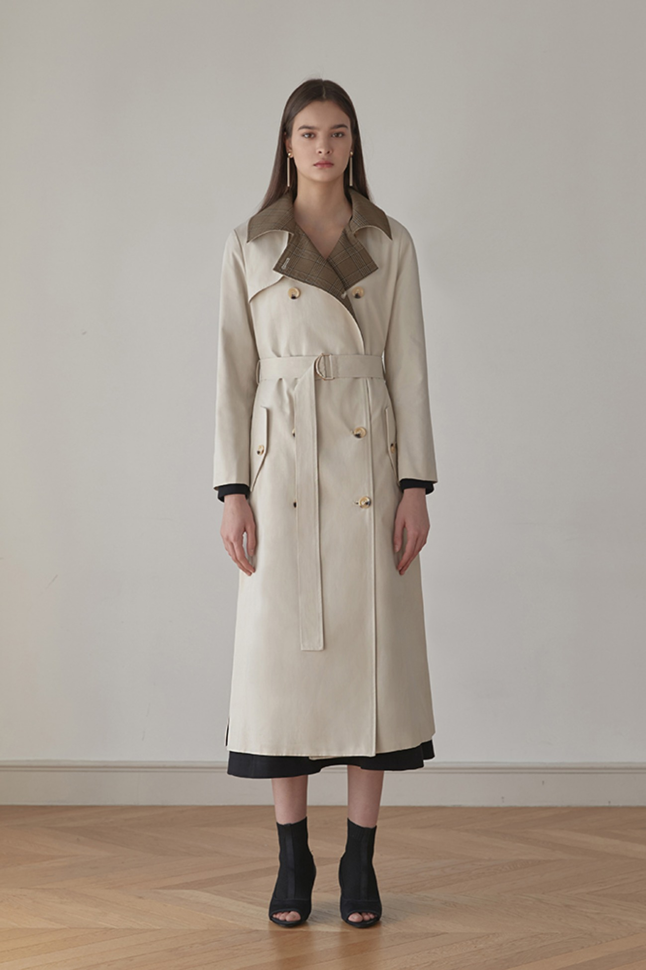Trench Coat In Check Brown (Ivory)