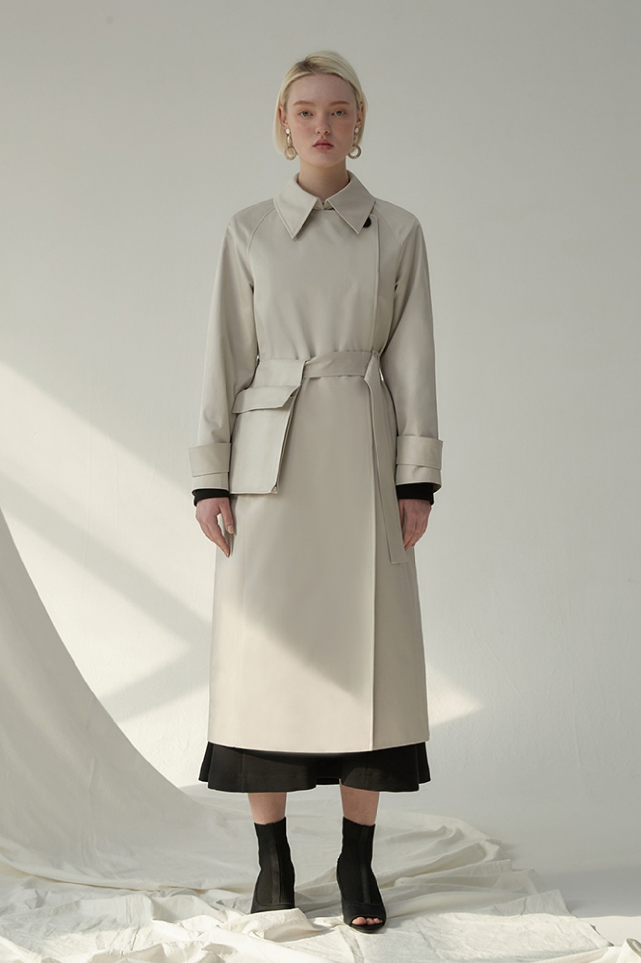 Trench Coat Indigo With Poket (Cream)